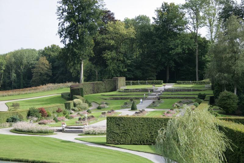 Franse tuinen voorbeelden tuin van versailles beroemd for Vijver te koop ardennen