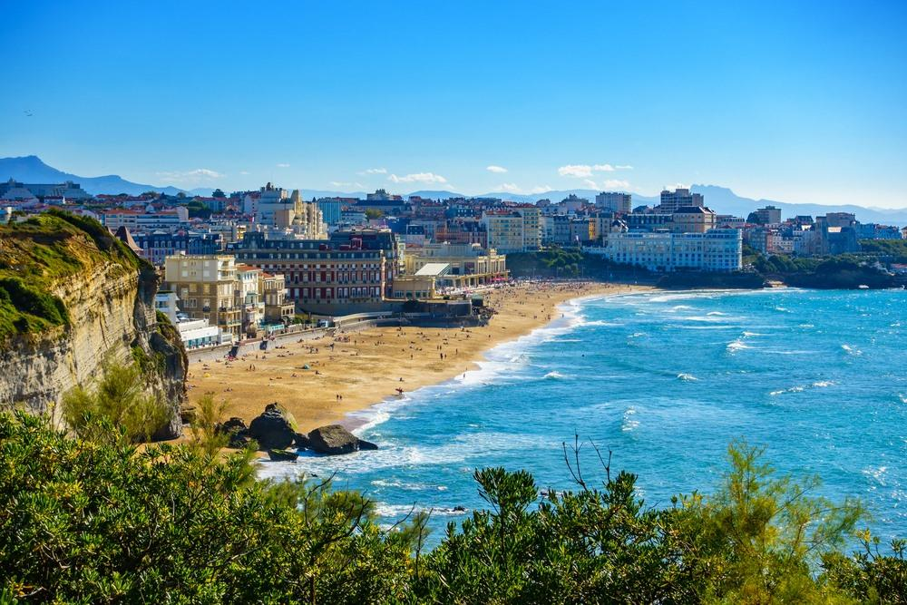 Bezoek biarritz in de pyrenee n - Hotel de la plage biarritz 3 esplanade du port vieux ...