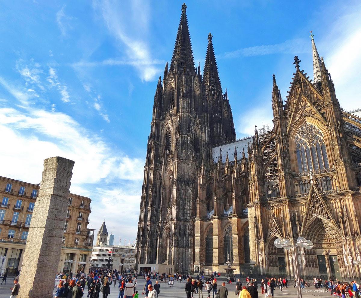 Keulen stad met imposante dom - Verblijf kathedraal ...