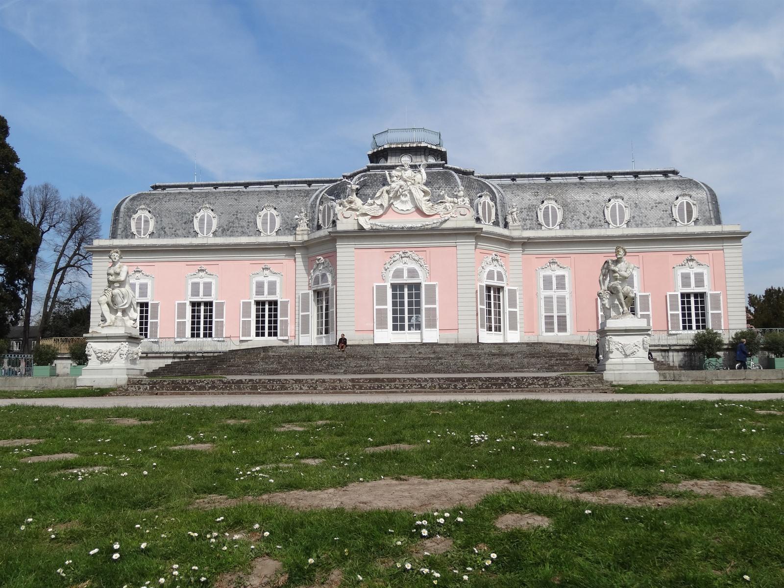 Bezoek Schloss Benrath Tijdens Je Citytrip D Sseldorf