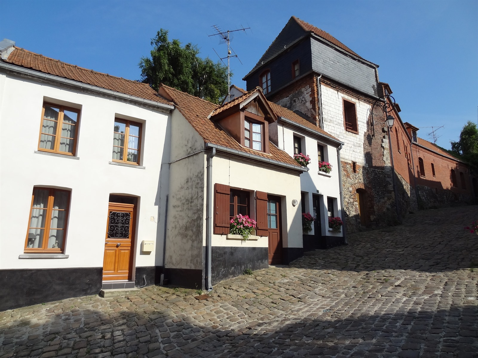 Stadswandeling montreuil sur mer - Tour opale montreuil ...